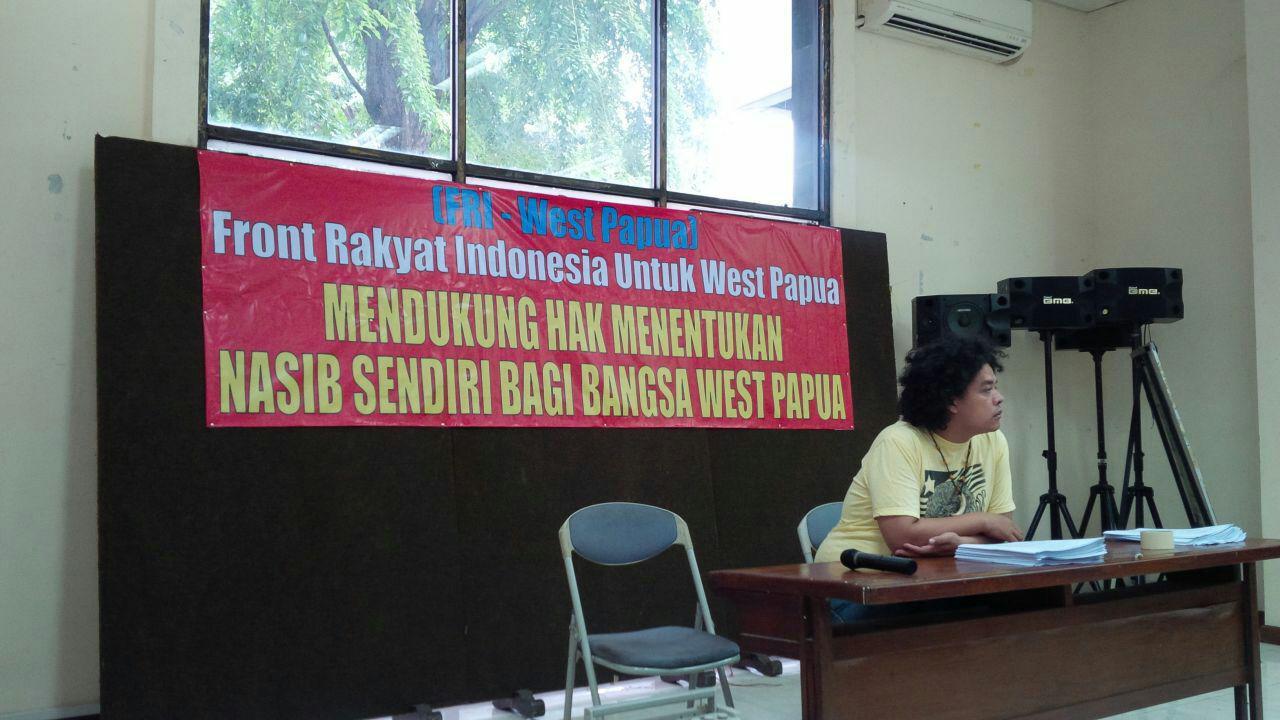Surya Anta, Jubir FRI West Papua sedang memberikan keterangan pers.@Tabloidjubi.com.